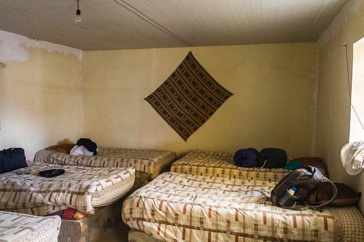 Tour Salar de Uyuni dia 2 - hospedagem no deserto