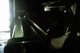 藤原邸のアップライトピアノ
