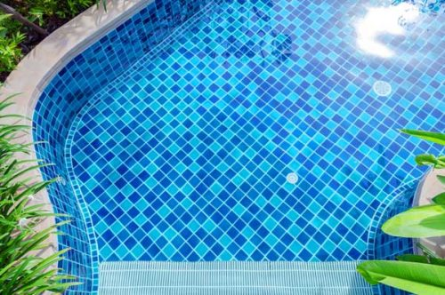 what makes pool tile different than