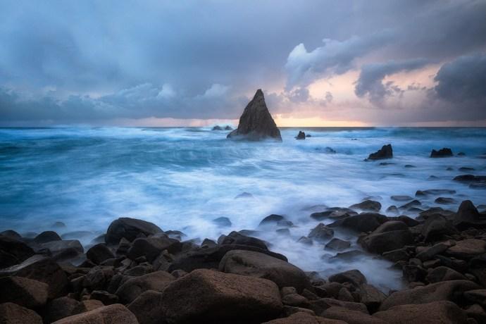 "Stormy sunset at Praia da Aroeira Fuji X-T1 . Fuji XF10-24mmF4 @ 13,2mm . f/9 . 1/25"" . ISO 200"