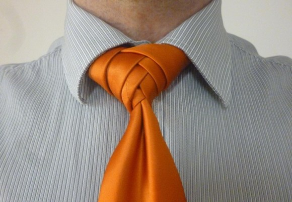 The Boutonniere Knot