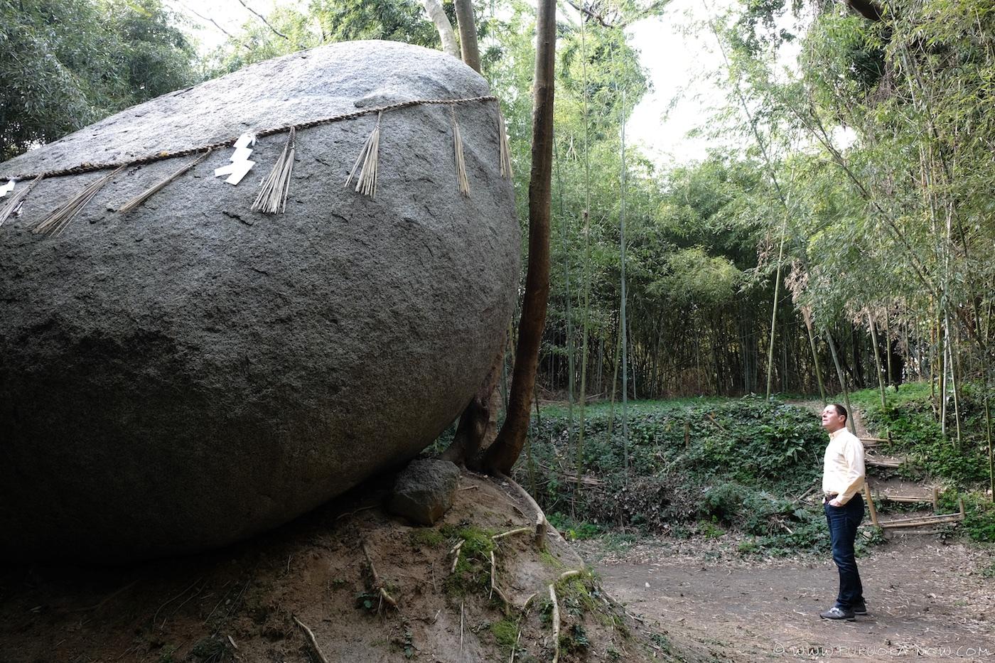 god stone, itoshima, kamiari, power spot, fukuoka