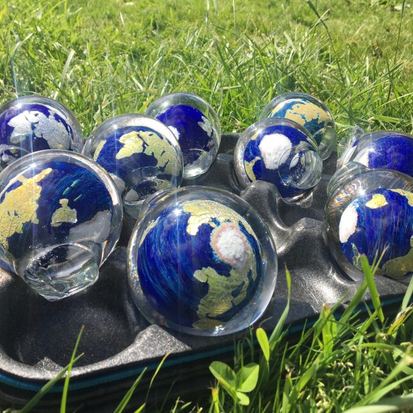 GlassEarth in a tray