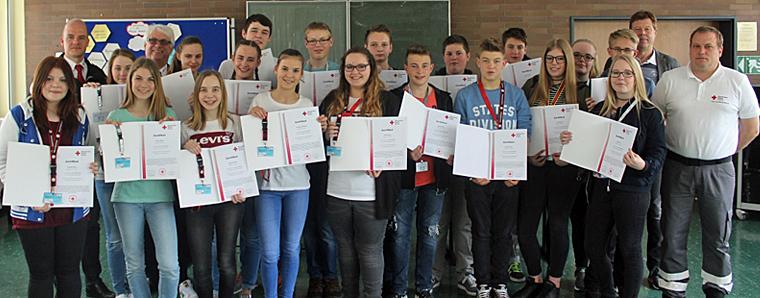 19 neue Schulsanitäter an der Heinrich-von-Bibra-Schule › fuldainfo | {Schulsanitäter ausweis 66}