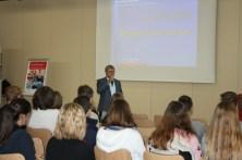 Prof. Dr. Hubert Jung sprach über die Zukunft der BWL.