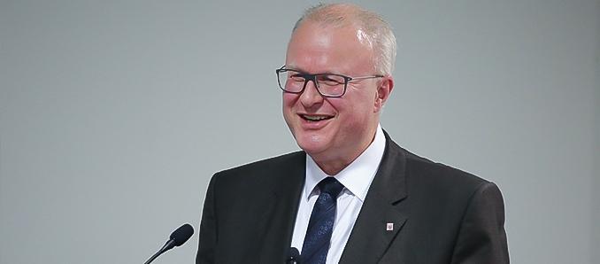 Finanzminister Dr. Thomas Schäfer