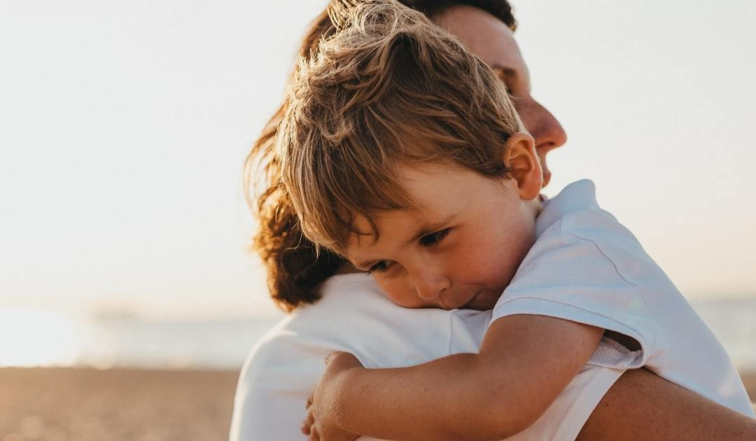 How to Develop Emotional Intelligence During Parenthood: A Personal Growth Guide for Modern Parents