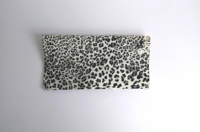 porte chequier leopard