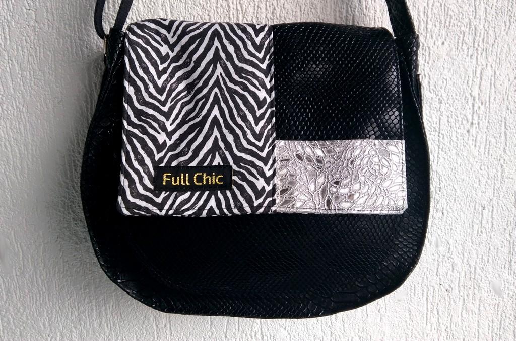 Besace noire patchwork zèbre/argent
