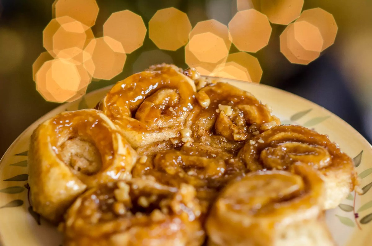 Cinnamon Sticky Buns: a special vegan baking treat