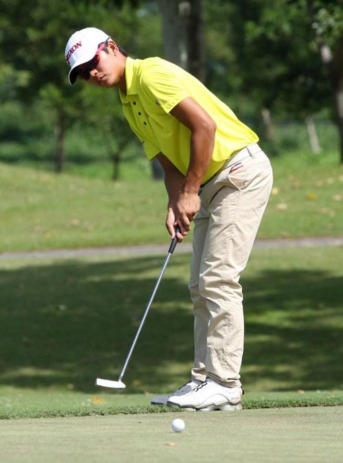 Malaysian grabs lead as Carlos, Zaragosa falter in PH Amateur