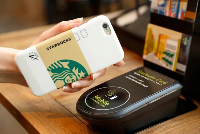 スタバ (STARBUCKS) × アップル (Apple)、iPhoneケース型のスタバカード「スターバックス タッチ (STARBUCKS TOUCH)」が5/20に発売!