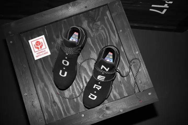 「YOU N.E.R.D」とプリントされたPharrell Williams x adidas Originals NMD Human Trail (ファレル・ウィリアムス アディダス オリジナルス ヒューマン エヌエムディー トレイル)