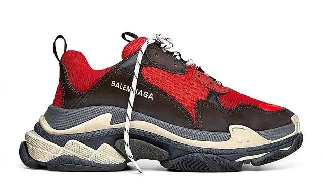 Red/Black カラーのBALENCIAGA Triple-s 2018 S/Sモデル (バレンシアガ トリプル ソール 2018年 春夏モデル)
