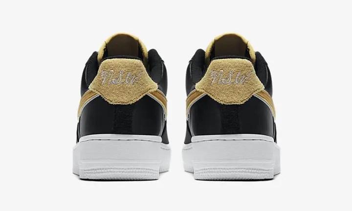 """【オフィシャルイメージ】サテンのブラック/ゴールドカラー ナイキ エア フォース 1 ロー (NIKE AIR FORCE 1 LOW """"Stain Black/Gold"""") [AA0287-005]"""