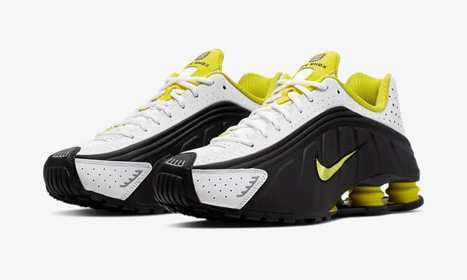 """ナイキ ショックス R4 """"ブラック/ダイナミックイエロー/ホワイト"""" (NIKE SHOX R4 """"Black/Dynamic Yellow/White"""") [104265-048]"""