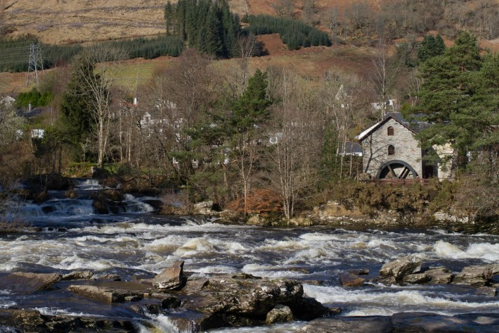 Waterfalls in Scotland, Falls of Dochart, Scottish Travel Blogger