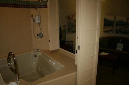 Jacuzzi Tub in Tahoe Seasons Room