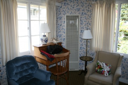 Sitting area of Bedroom at Carmel Fireplace Inn