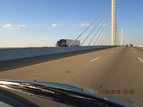 Neat bridge on I-295.