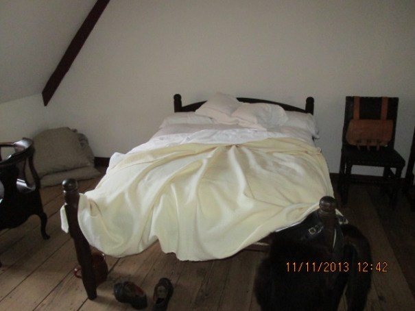 This room had 4 beds, chamber pots under the beds for night time elimination.  Guaranteed no more than 2 to a bed.