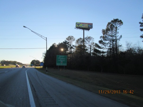 Welcome to Alabama sign.