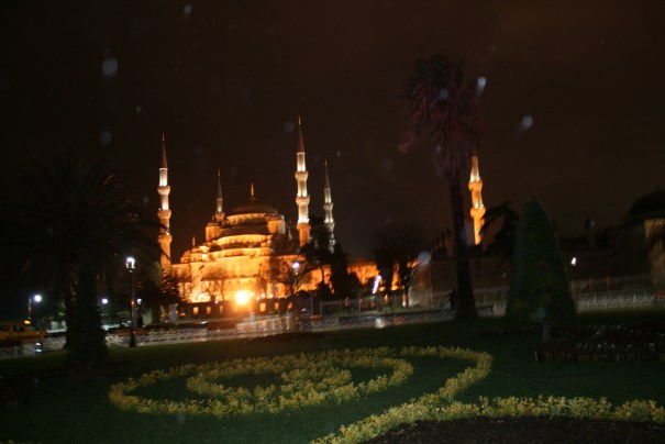 Night time at the Blue Mosque.