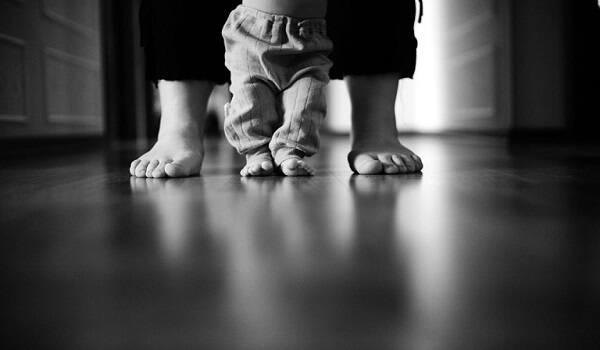 Όταν θα μεγαλώσεις αγόρι μου, θα καταλάβεις ότι η αγάπη δεν είναι ούτε μεγάλη, ούτε μικρή, είναι απλά αγάπη!