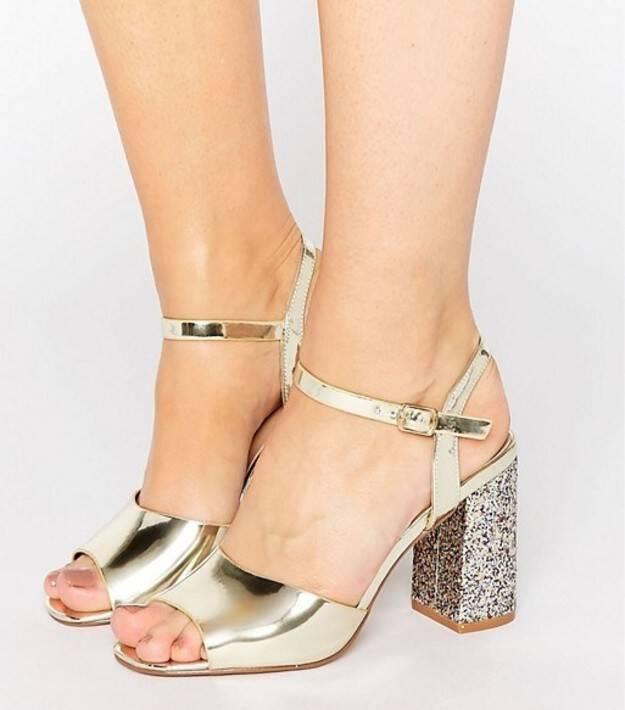 Anonymoi.gr  25 Υπέροχα γυναικεία Παπούτσια που Μοιάζουν πανάκριβα ... 87ba1fed73e