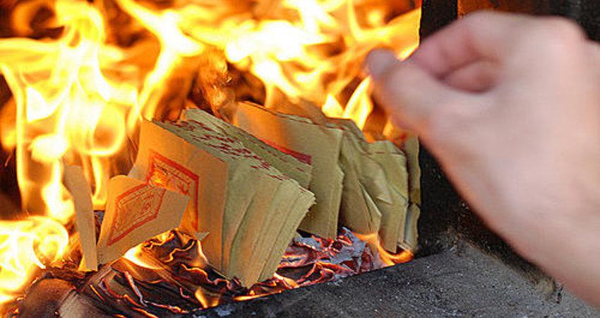 燒紙錢真的能讓祖先拿到嗎?真相曝光看完保證你會驚呆! - 射手寶寶   FUN01 創作分享