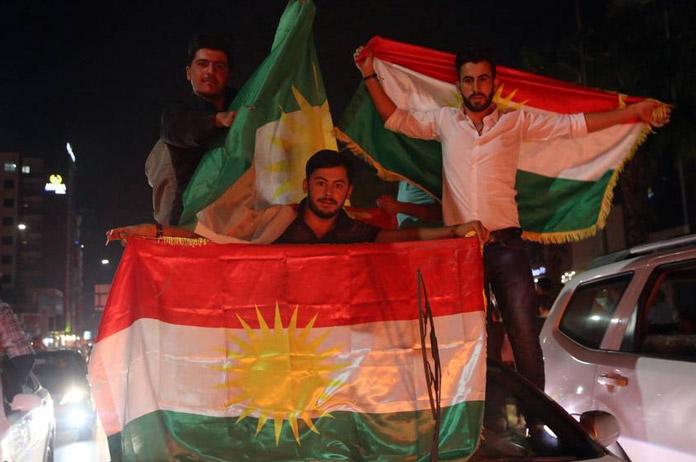 Kurdos tras el 25S. FOTO: EFE