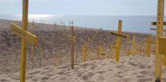 Cruces en la playa de Canet de Mar   FOTO: CDR Canet de Mar