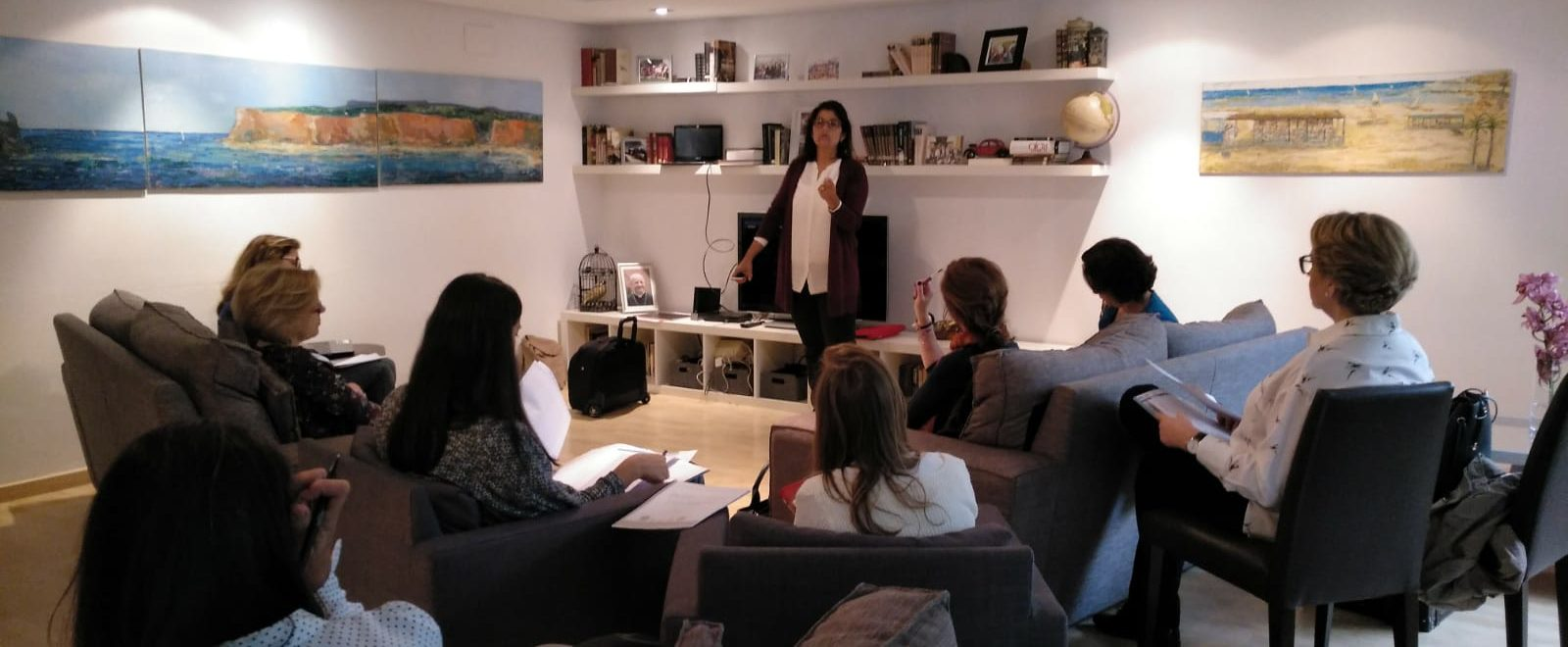 Sesión presencial de formación de orientadoras Intelligo