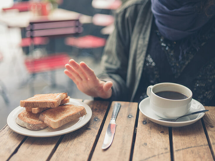 why do we feel drowsy after lunch