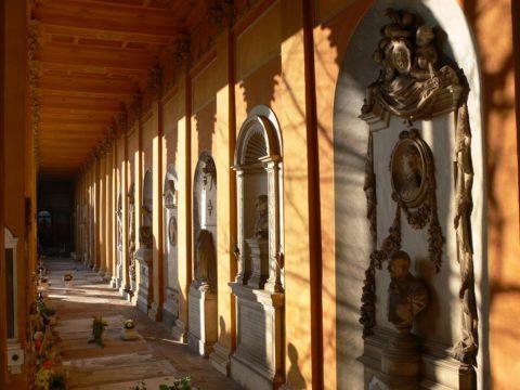 BOLOGNA – Cimitero della Certosa AUDIO-LOOK. Una passeggiata nella storia. Donne di polso nel Lungo Ottocento – 3 ottobre 2020