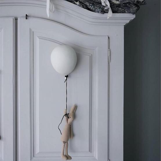 byon balloon white small