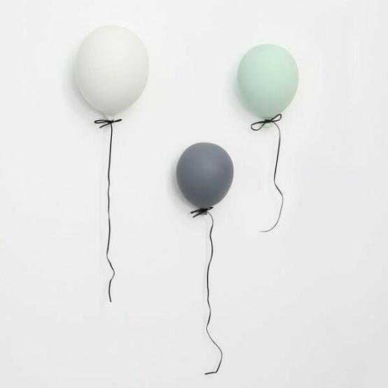 byon ballon wit klein