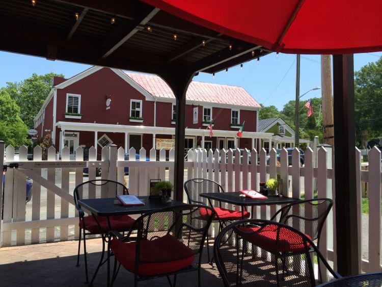 Main Street Pub patio