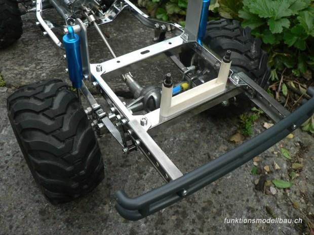 800-bruiser-blue-met-chassis-508