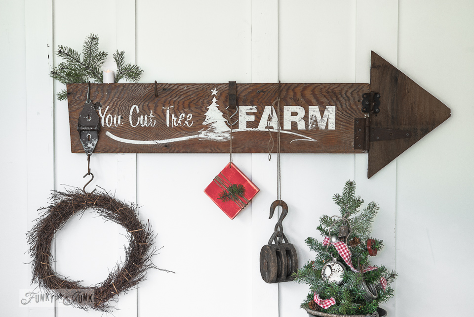 Make This Christmas Arrow Sign With StencilsFunky Junk