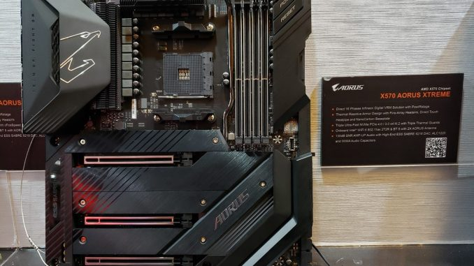 Computex 2019 - Gigabyte C621, X570 Aorus Xtreme, PCIe 4.0 SSD, AIO Cooler and Gaming Laptops