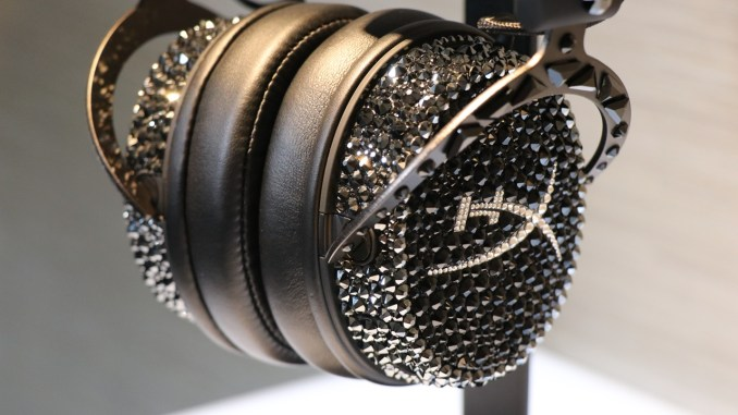 Game With a Little Bling - HyperX and Swarovski Crossover