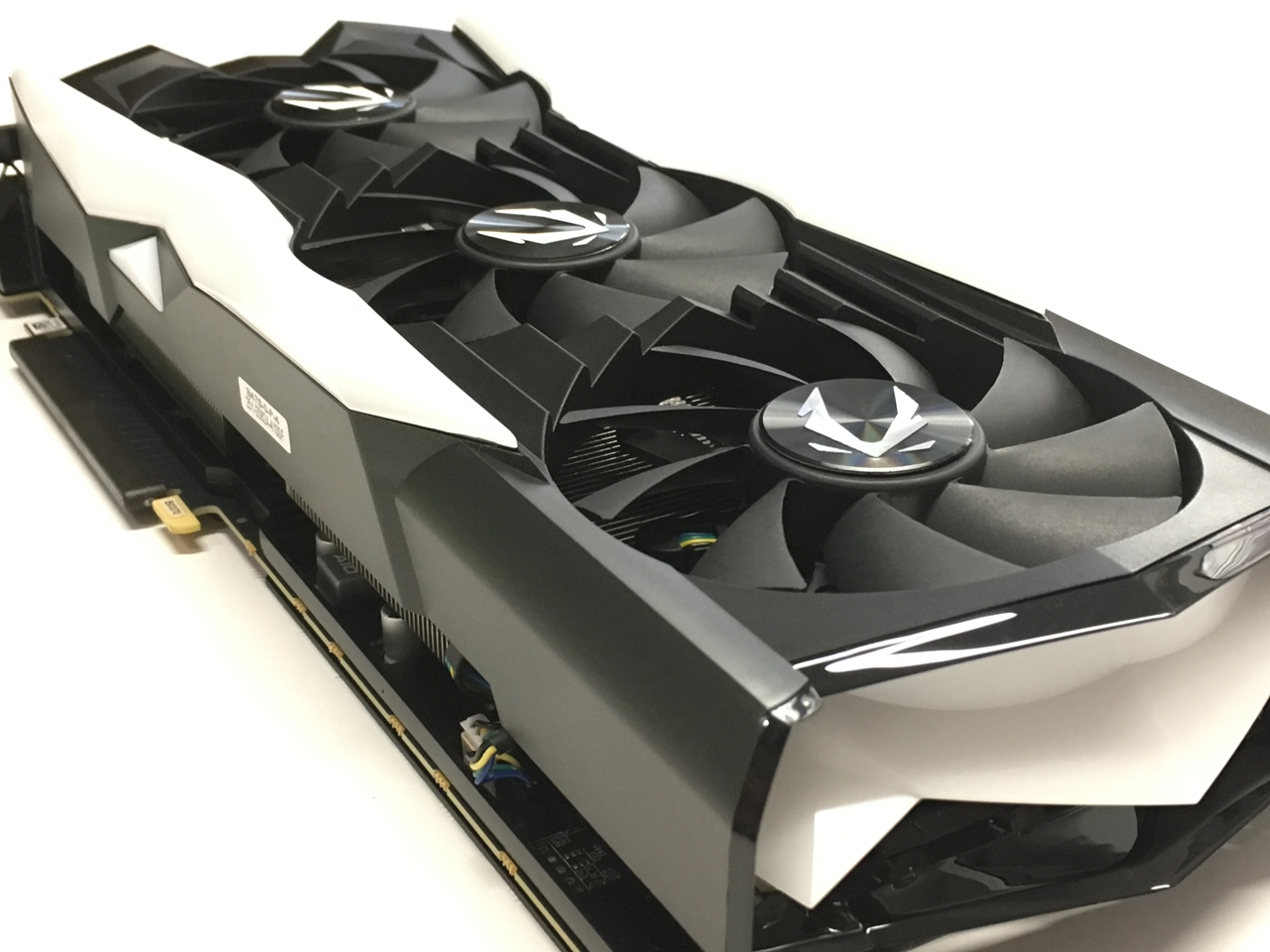 ZOTAC Gaming GeForce RTX 2080 SUPER AMP Extreme Graphics