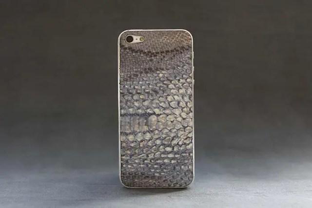 iPhone-5-blue-python-skin-1-FSMdotCOM