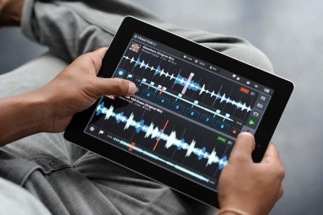 traktor-dj-app-iPad-FSMdotCOM