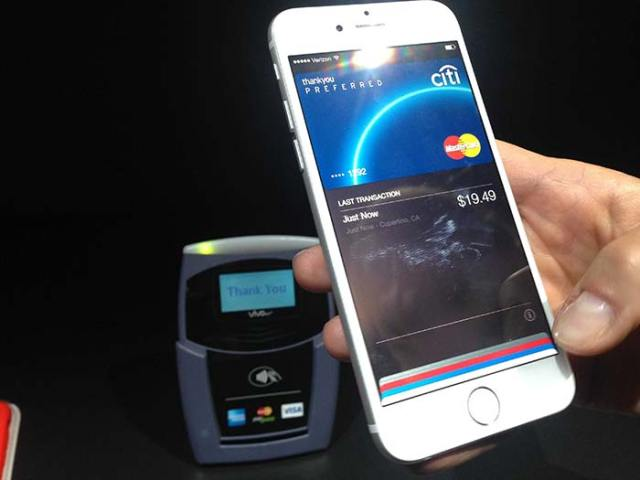 apple-pay-hands-on-FSMdotCOM