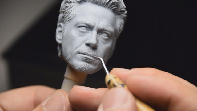 making-of-ultra-detialed-hot-toys-action-figures-FSMdotCOM