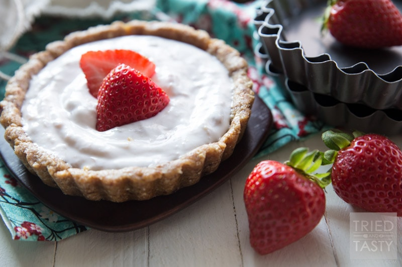 Easy strawberry tart recipe. Love this whole list of strawberry recipe ideas - something for every meal!