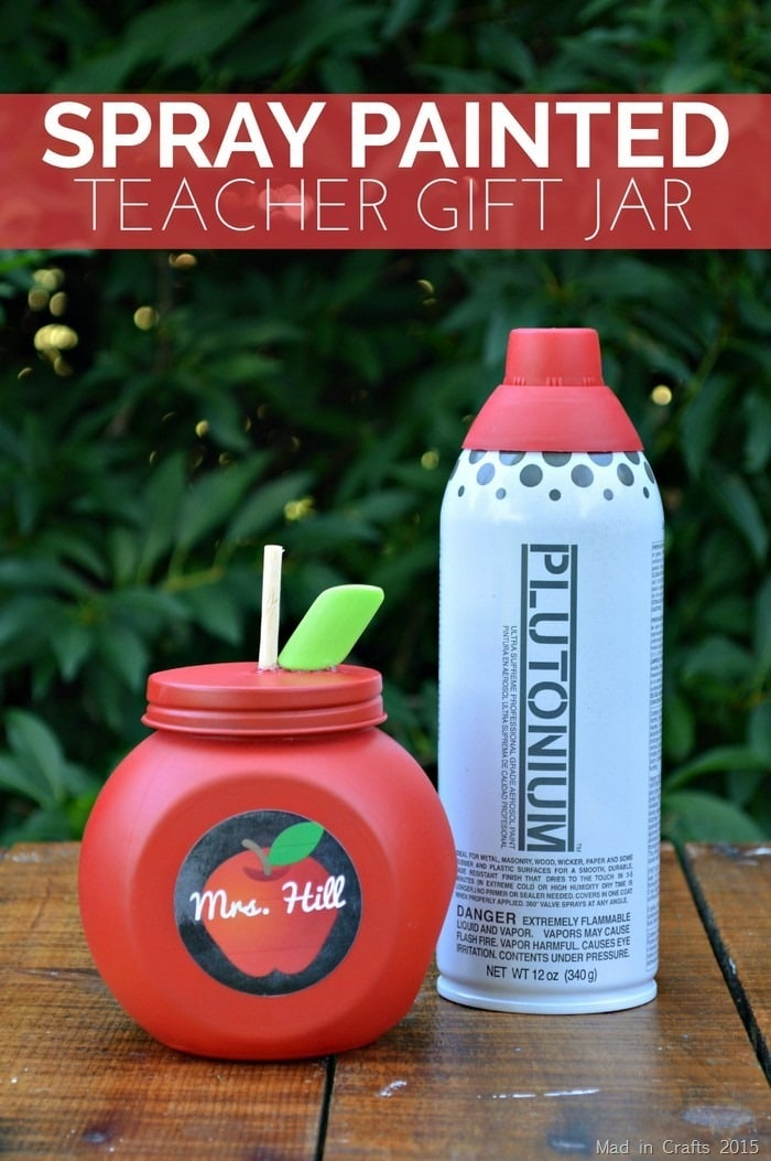 DIY apple jar for teachers. Gift idea for Teacher Appreciation Week. This site has some great ideas for DIY teacher gifts.