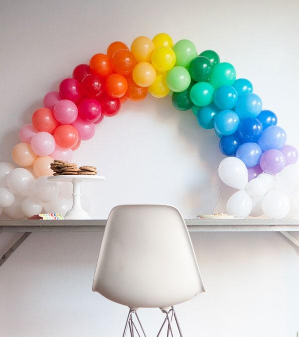 Rainbow party ideas: DIY balloon rainbow arch tutorial